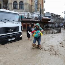 MRTVI, NESTALI, POVREĐENI I RAZRUŠENI DOMOVI: Tragični bilans poplava kakve Krim nije video 100 godina! (FOTO/VIDEO)