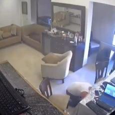 MUČNE SCENE IZ BEJRUTA: Pogledajte kako je otac pokušao da zaštiti sina od eksplozije (VIDEO)