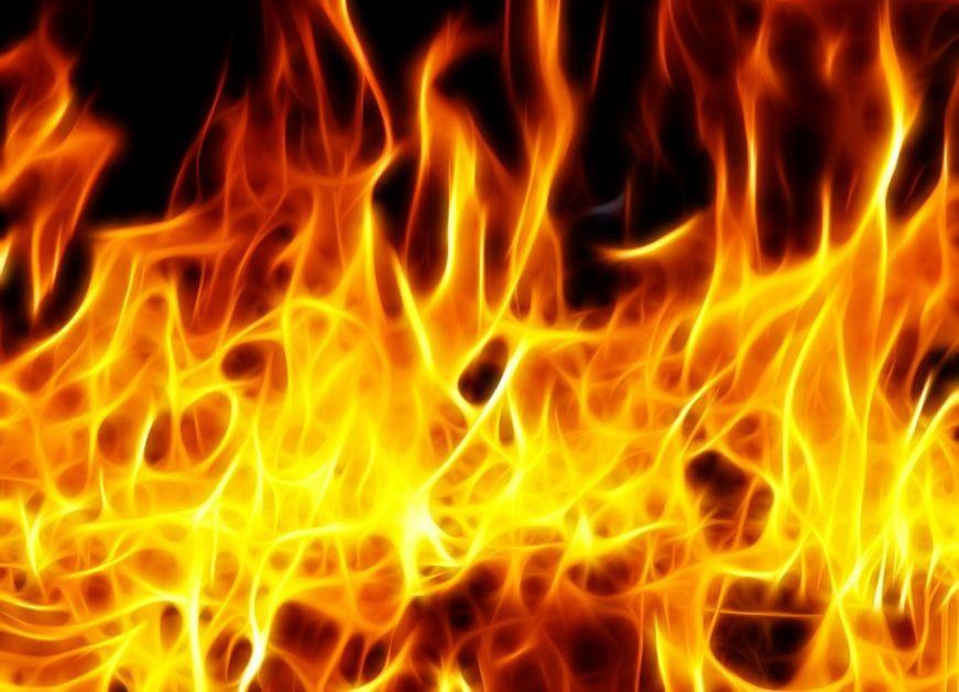 Tragedija u Maloj Moštanici: Dvoje dece nastradalo u požaru