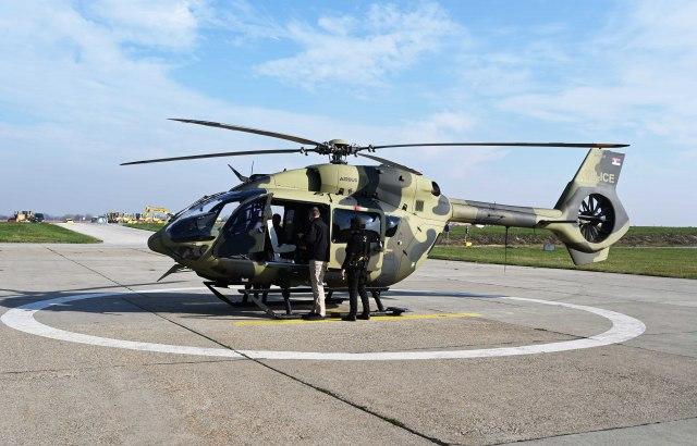 MUP dobija Superpumu, trenutno u floti 17 helikoptera VIDEO