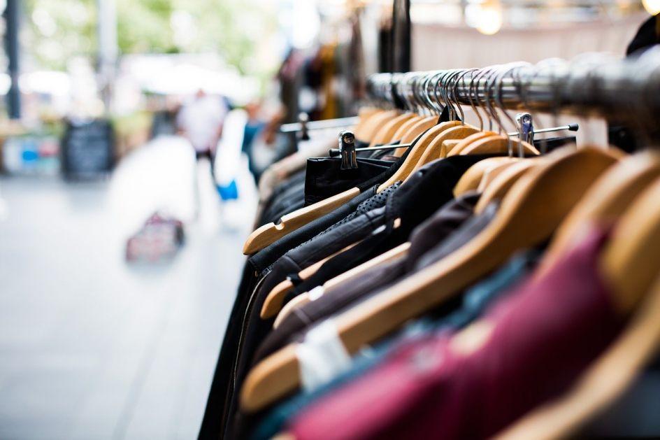 Mađari u junu povećali kupovinu odjeće i obuće