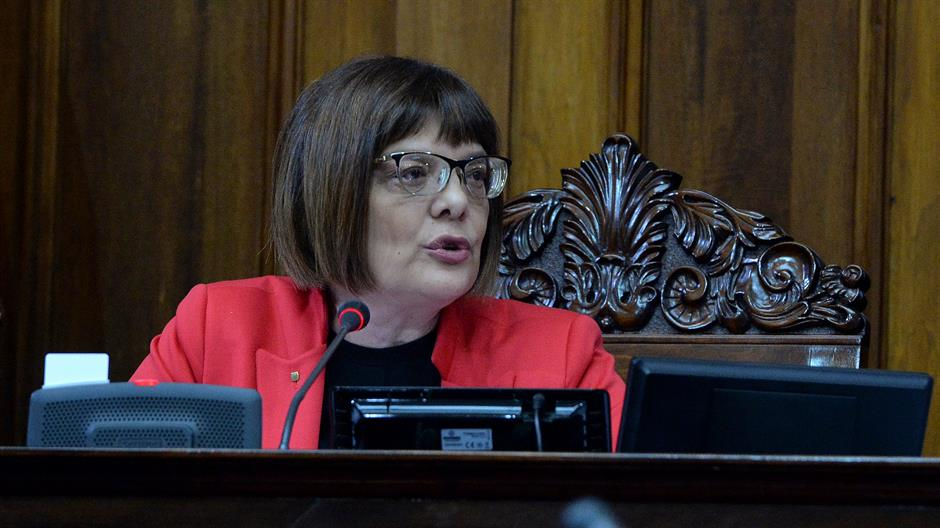 Maja Gojković: Smenite me, spalite me, nabijte me na kolac…