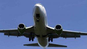 Majka i troje dece pokušali da uđu u avion u Skoplju iako su kovid pozitivni