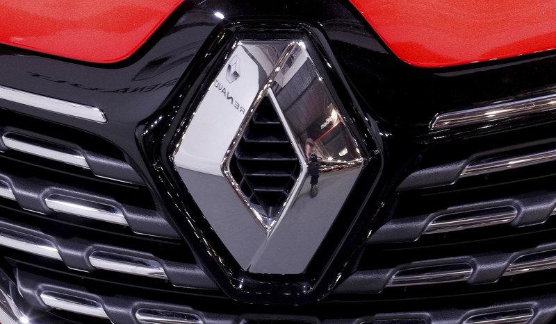 Makron: Podrška autoindustriji od osam milijardi evra
