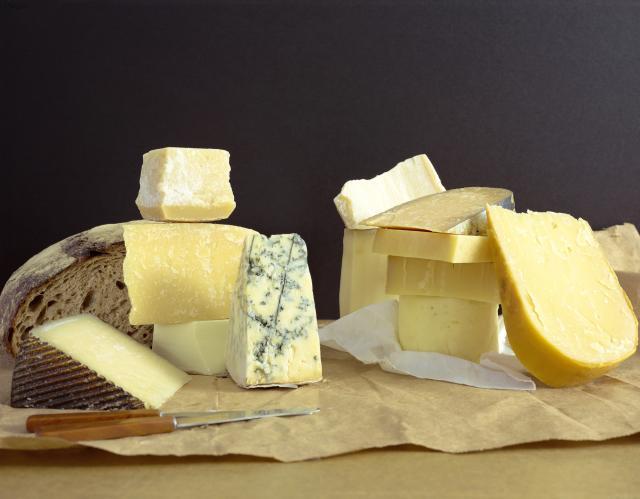 Mala porcija sira smanjuje rizik od moždanog i srčanog udara