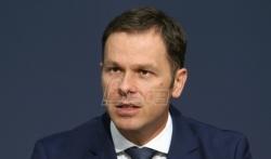 Mali: Plan je da u Srbiji 2025. godine prosečna plata bude 900 evra, a prosečna penzija 400 evra