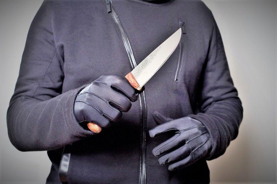 Maloletnik osumnjičen za razbojništvo