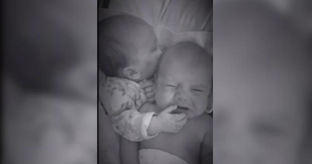 Mama je čula da joj je beba počela plakati, u dečjoj sobi ju je dočekao prizor koji će još dugo pamtiti