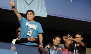 """Maradona operisan: """"Ponovo se osećam kao dečak"""" (VIDEO)"""