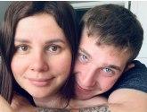 Marina je trudna s 15 godina mlađim Vladimirom s čijim je ocem bila 13 godina u braku