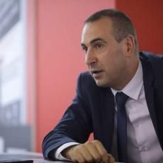 Marković: Žalosno je da Krušik mora da moli da stanu napadi
