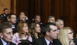 Martinović u Skupštini Srbije o korenima DS i SNS, Božović o gunju, opanku i Rusiji