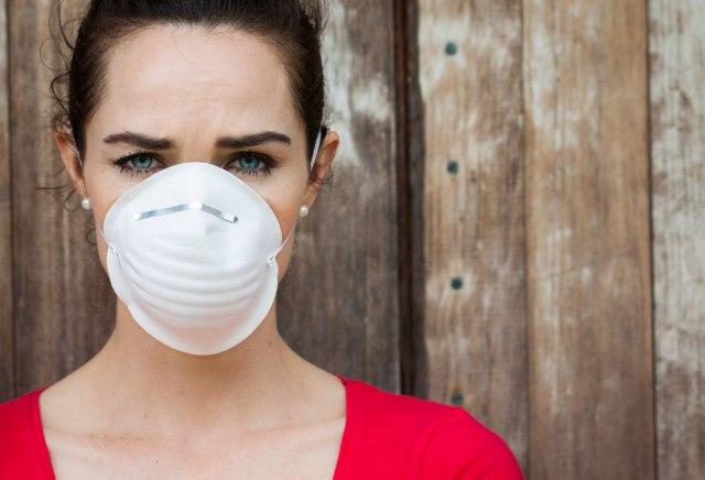 Maske N95 spasavaju živote: Zašto ih je tako teško naći usred pandemije?