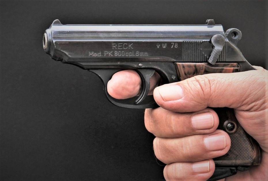 Maskirani muškarac pucao u pabu u Podgorici