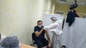 Masovna vakcinacija na šest punktova na zatvorenom bazenu u Pirotu
