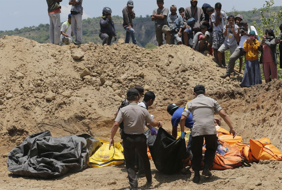 Masovne grobnice za više od hiljadu žrtava u Indoneziji
