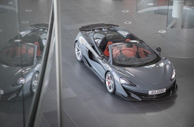 McLaren ručno napravio 20.000 automobila FOTO