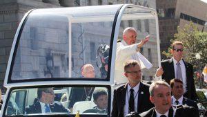 Mediji: Papa negativan na testu za korona virus
