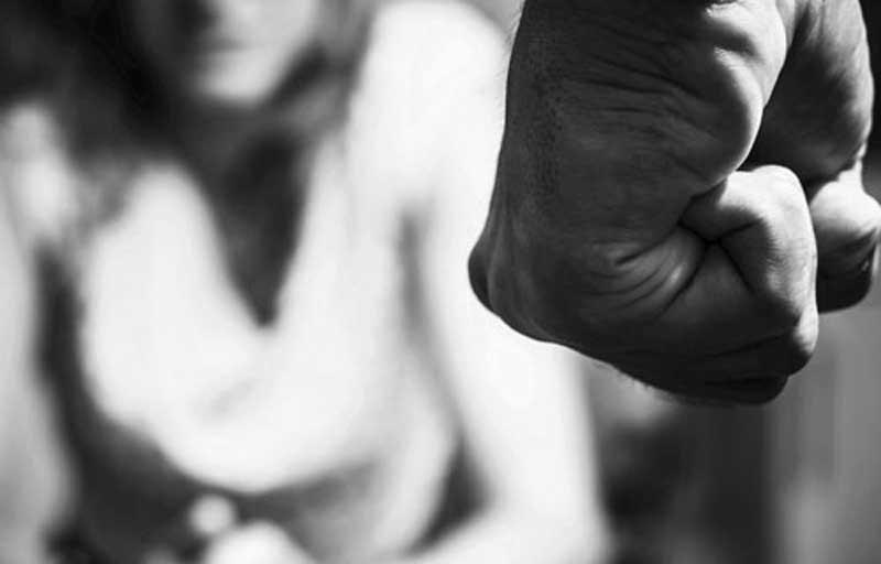 Mediji: Stabilno žena koju je bivši muž napao nožem