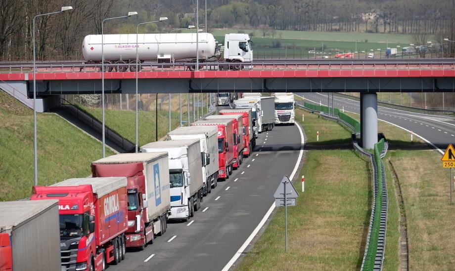 Međunarodni drumski transport smanjen između 20 i 30 odsto