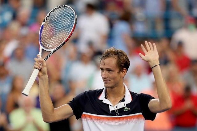 Medvedev kralj Sinsinatija, Rus osvojio prvu masters titulu