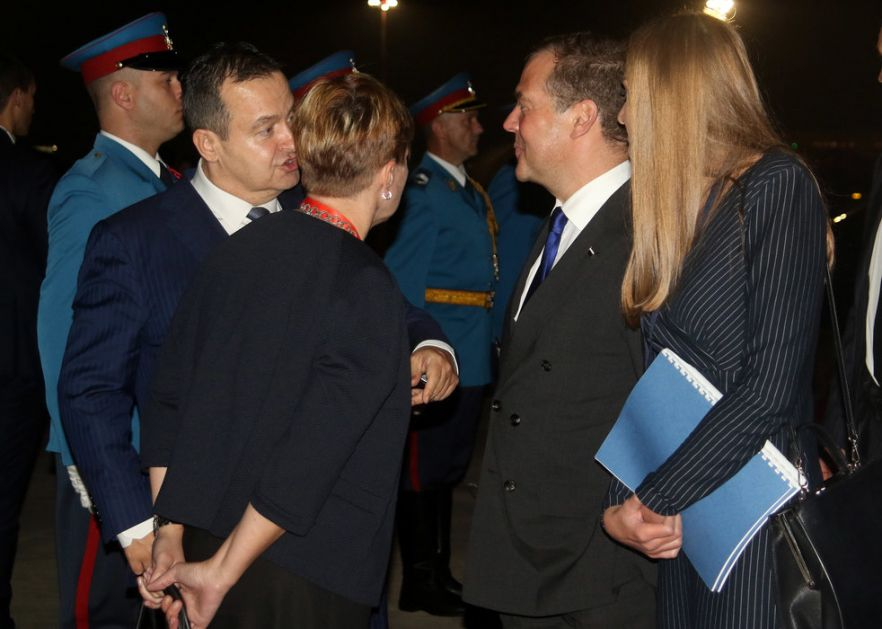 Medvedev otputovao iz Beograda, ispratio ga Dačić