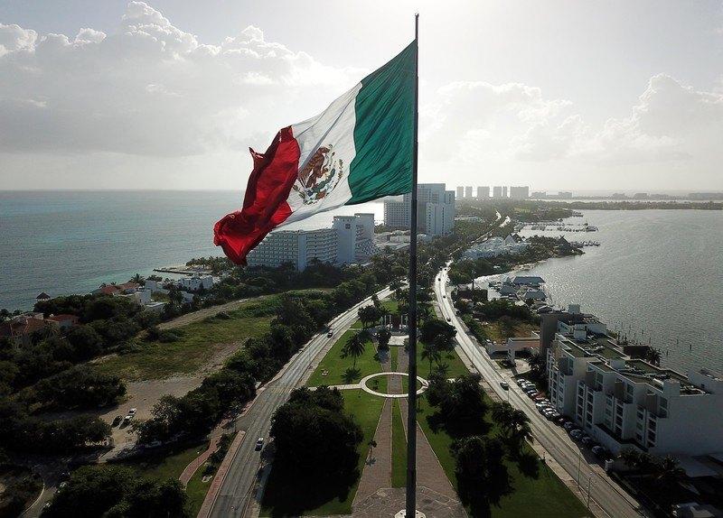 Meksiko siti tone 10 centimetara godišnje zbog podzemnog jezera