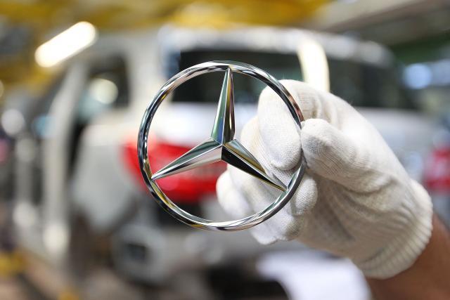 """Mercedes-Benc"" povlači 660.000 vozila iz Kine"