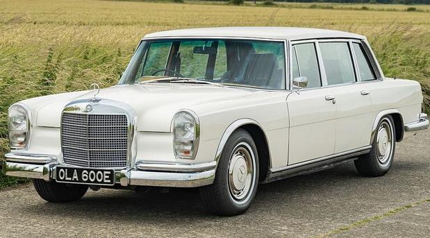 Mercedes-Benz 600 koji je pripadao Džordžu Harisonu prodat za 145.000 funti