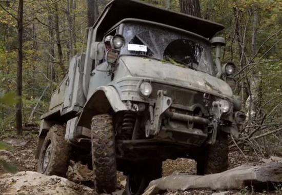 Mercedes Unimog – ide tamo gde nije drugo vozilo ne može
