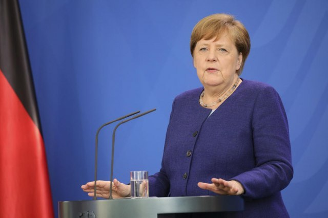 Merkel: Moramo hrabro i odlučno delovati