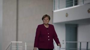Merkel: Situacija u vezi s pandemijom nestabilna, ali ima osnova za oprezni optimizam