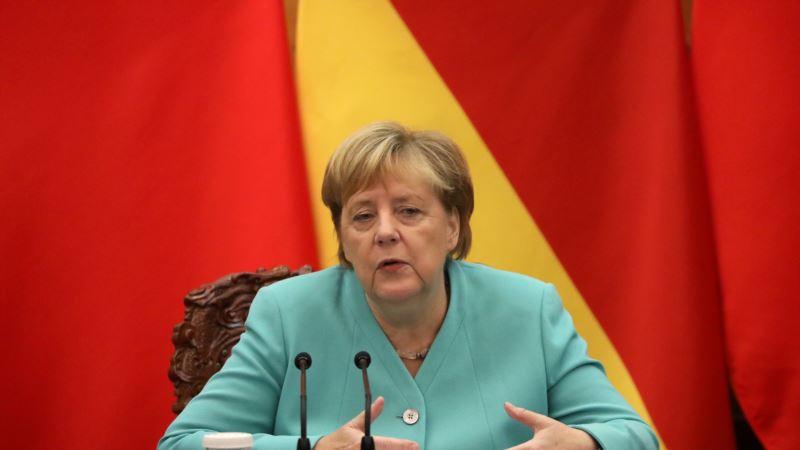 Merkel: Što pre sporazum o slobodnoj trgovini sa Britanijom