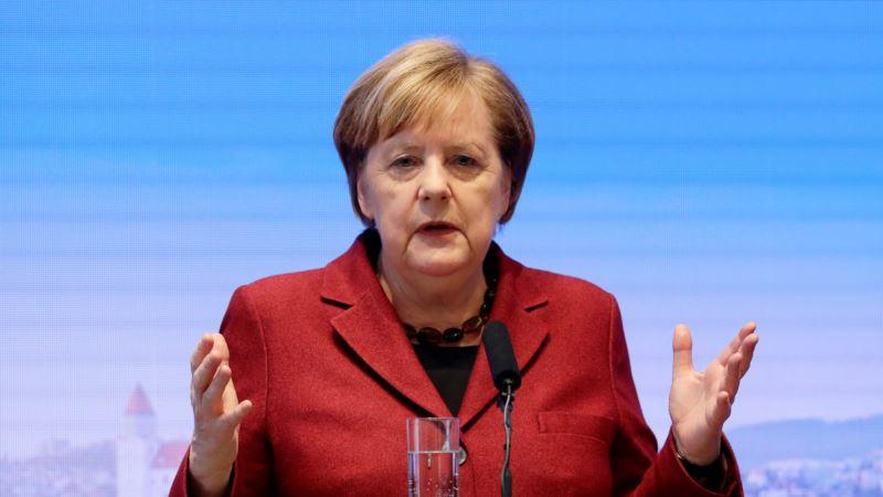 Merkel: Tržišni mehanizam, a ne zabrane, za smanjenje emisije CO2