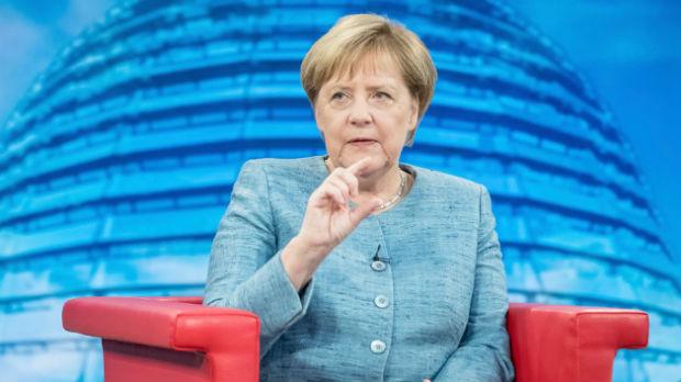 Merkelova o razgovoru s Trampom: Podržavamo sve što vodi ka rešenju pitanja Kosova