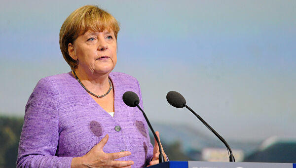 Merkelova: Pred EU ekonomski izazovi bez presedana