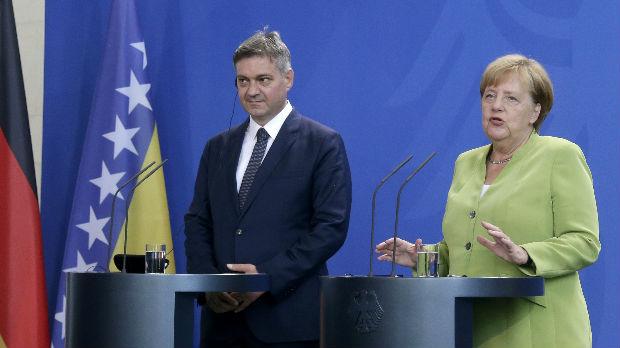 Merkelova i Zvizdić o EU perspektivi, migrantima i granicama