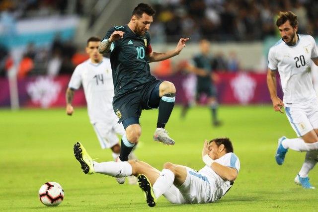 Mesi iz penala u nadoknadi sprečio pobedu Urugvaja