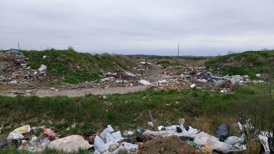 Meštani Mokrina traže hitno uklanjanje deponije koja je došla do kuća