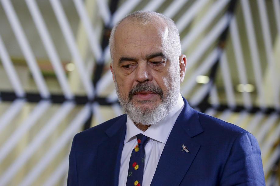 Meta: Ambasadorka SAD podržava Ramu, možda i lobira za Srbiju