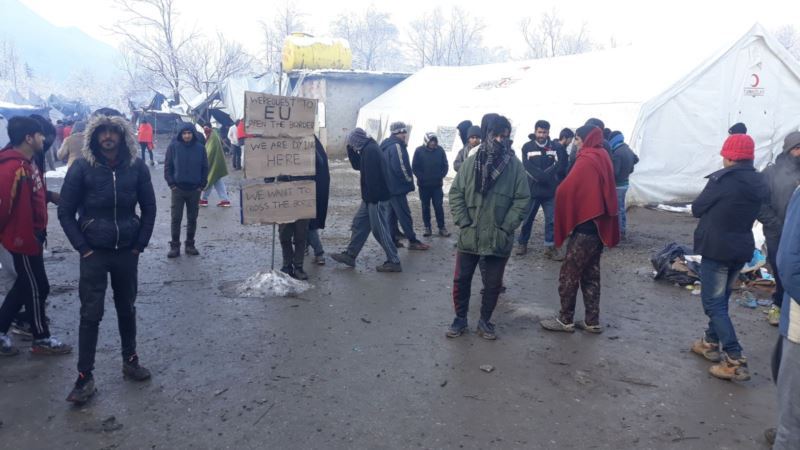 Migranti u Vučjaku već treći dan odbijaju hranu