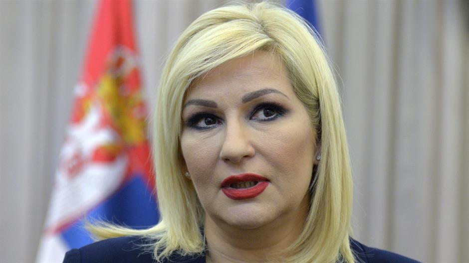 Mihajlović: Slogani uvredljivi za žene, javno ih sramote