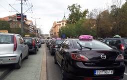 Mihajlović potpisala prve subvencije od 8.000 evra taksistima za kupovinu vozila