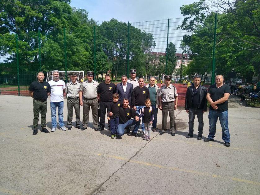 Milanu Šolaji pomažu i bivši saborci