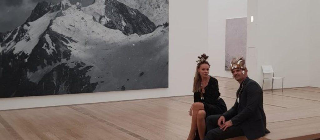 Mili i njegova supruga prisustvovali izložbi eminentnog umetnika!