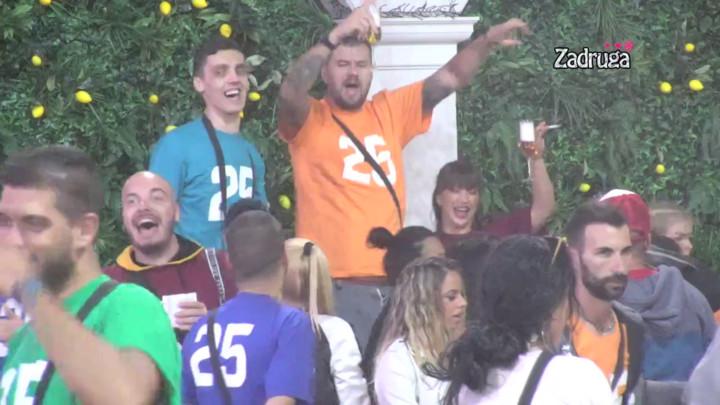 Miljana i Januš postali kumovi, Veliki šef ih IZNENADIO, ova pesma je odjekivala imanjem! (VIDEO)