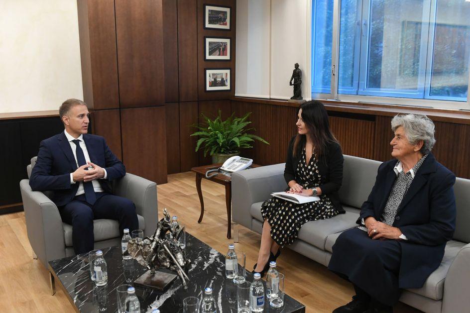 Ministar Stefanović primio porodice majora Tepića i vojnika Mirkovića