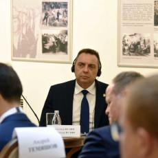 Ministar Vulin: Ne možete tražiti od nas da postanemo deo EU uslovljavajući nas da se odreknemo svojih prijatelja (VIDEO)