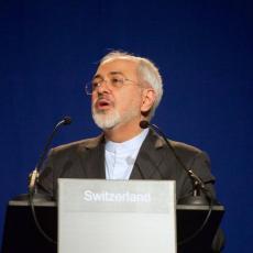 Ministar spoljnih poslova Irana sa Makronom na samitu G7, a TEMA RAZGOVORA JE VRLO, VRLO VAŽNA!
