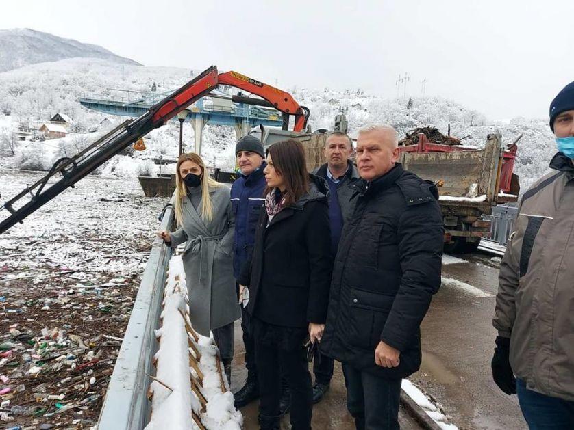 Ministarka Vujović obišla radove na čišćenju Potpećkog : Ovo je veliki posao